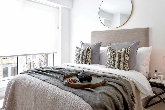 Thumbnail Flat for sale in Vista Apartments, Dickens Yard, New Broadway, Ealing, London