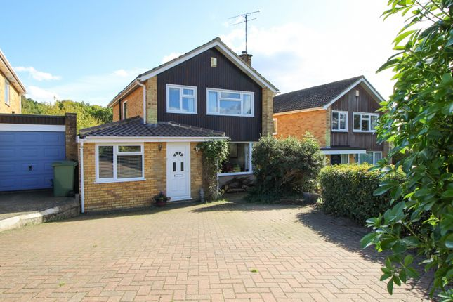 Thumbnail Detached house to rent in Churchill Crescent, Sonning Common