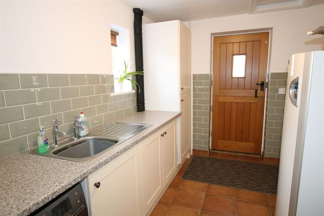 Utility Room of Station Road, Thorpe-On-The-Hill, Lincoln LN6