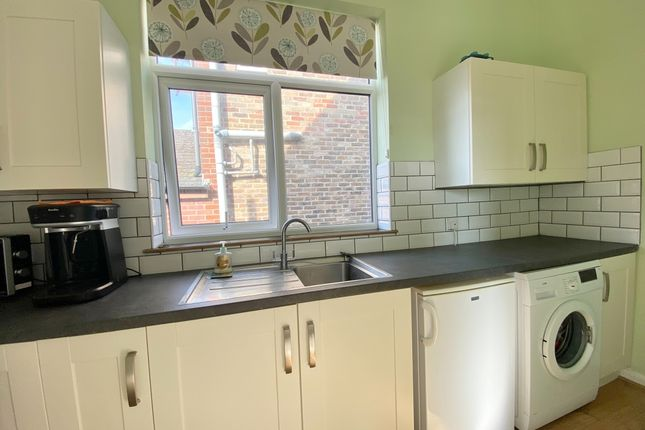 1 bed flat to rent in St. Catherines Road, Littlehampton BN17