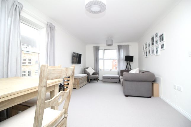 Thumbnail Flat for sale in Cobham Close, Enfield, Middlesex