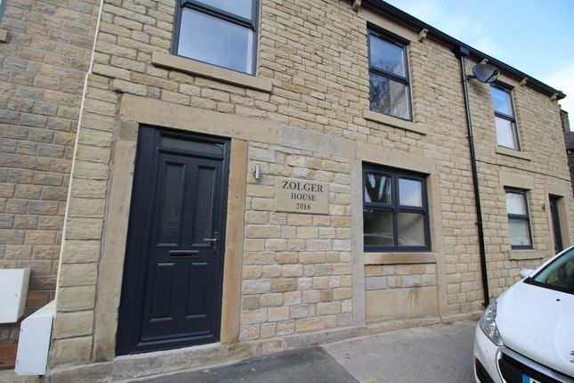 Thumbnail Flat to rent in Wood Street, Glossop