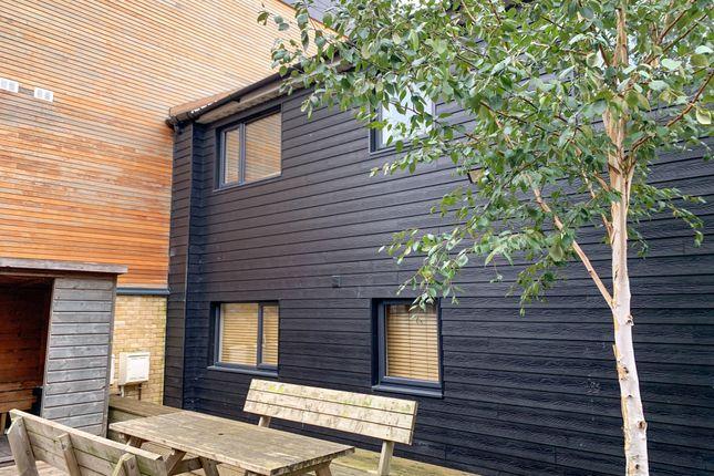 Thumbnail Flat to rent in Winnall Close, Winchester