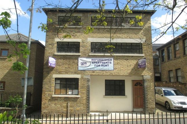 Thumbnail Flat to rent in Princes Street, Gravesend, Kent