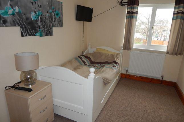 Thumbnail Room to rent in Gainsborough Green, Abingdon