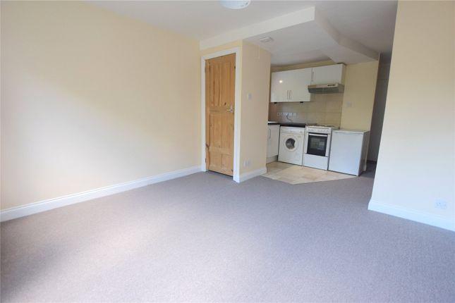 Studio to rent in Crescent Court, Crescent Road, Reading, Berkshire