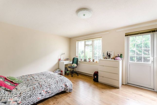 Thumbnail Property to rent in Melbury Drive, Camberwell