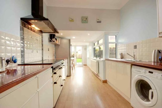 Thumbnail Terraced house for sale in Grovehill Road, Beverley