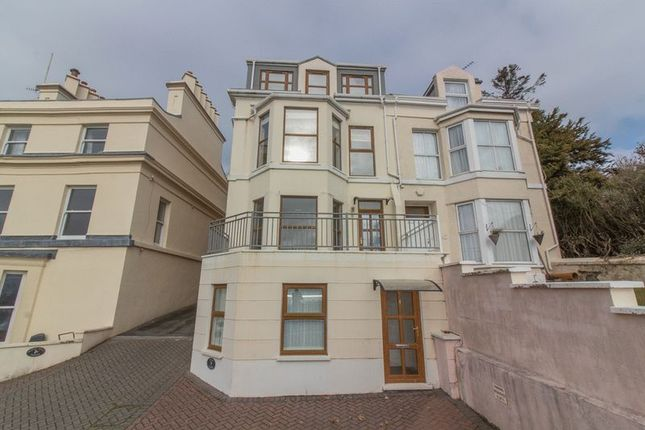 4 bedroom town house to rent in Summerhill, Douglas, Isle Of Man