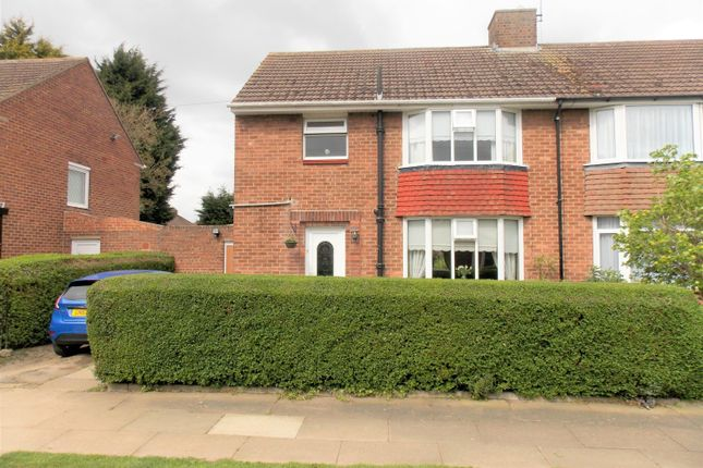 Thumbnail Semi-detached house to rent in Winchcombe Avenue, Grimsby