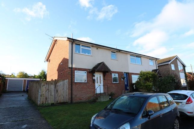 Thumbnail Flat for sale in Queen Street, Piddington, High Wycombe