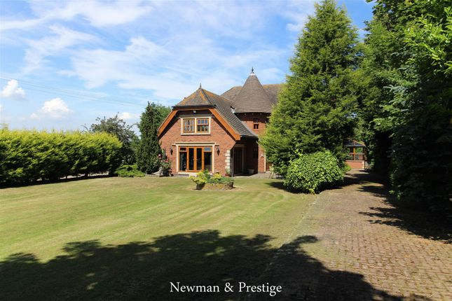 Thumbnail Detached house for sale in Withybrook Road, Bulkington, Bedworth