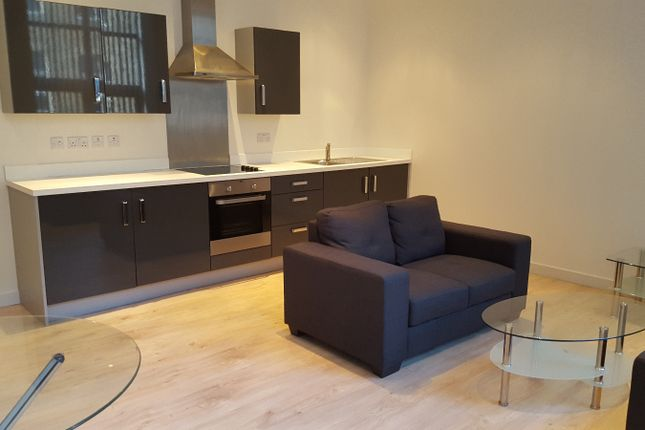 2 bed flat to rent in 2 Mill Street, City Centre, Bradford