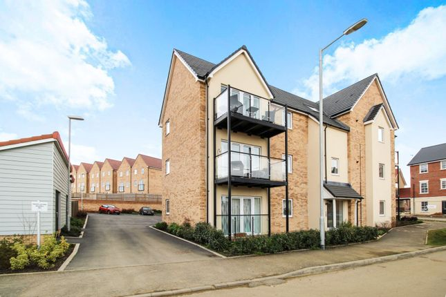 Thumbnail Flat for sale in 2 Martin Hunt Drive, Colchester