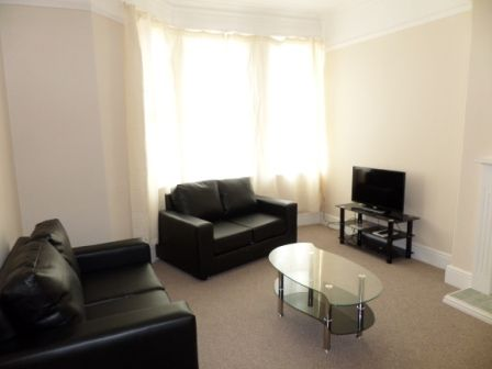 Thumbnail Shared accommodation to rent in Haxby Road, York