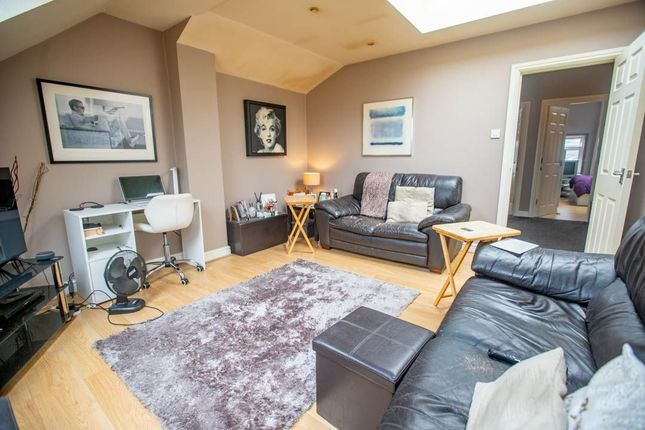 Thumbnail Flat for sale in Flat, April Court, Northwood Road, Thornton Heath