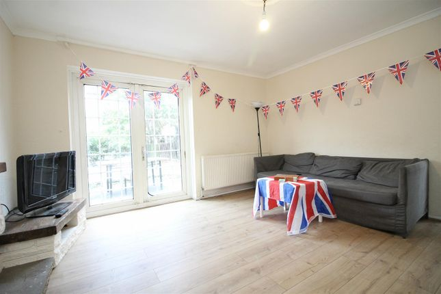 Thumbnail Property to rent in Finnis Street, London