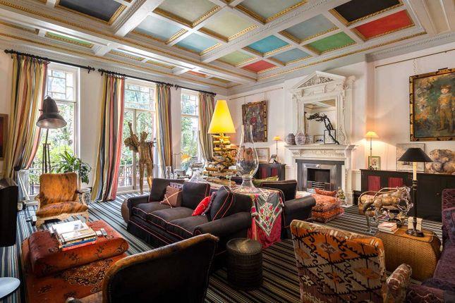 Thumbnail Maisonette for sale in Pont Street, London