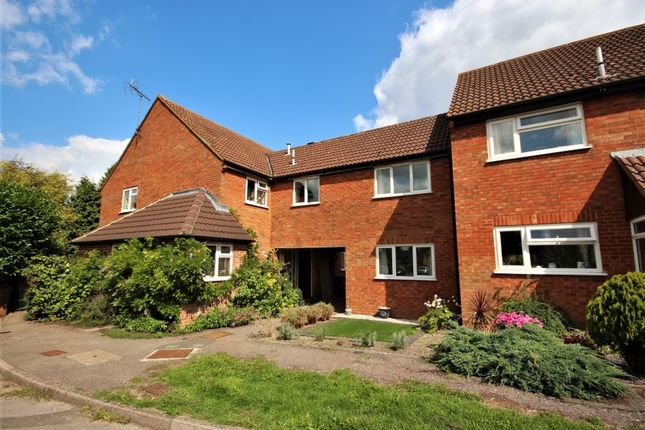 Thumbnail Terraced house to rent in Chandlers Close, Wantage