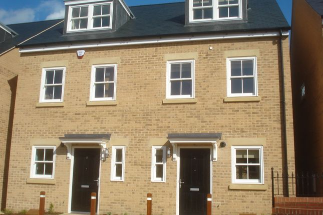 Thumbnail Terraced house to rent in Old Stable Yard, Bury St. Edmunds