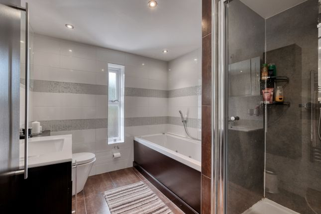 Bathroom of Barnsley Road, Norton, Bromsgrove B61