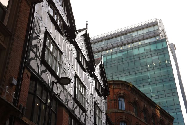 Thumbnail Flat for sale in Chapel Walks, Manchester