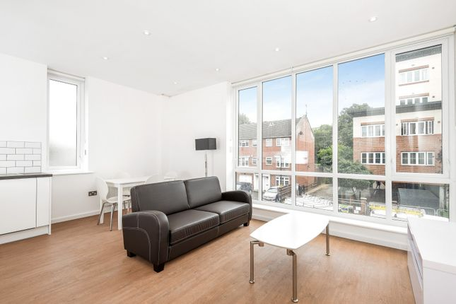 Flat To Rent In Mercury House, Bath Road