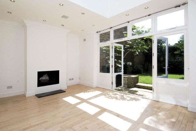 Thumbnail Property to rent in Steeles Road, London