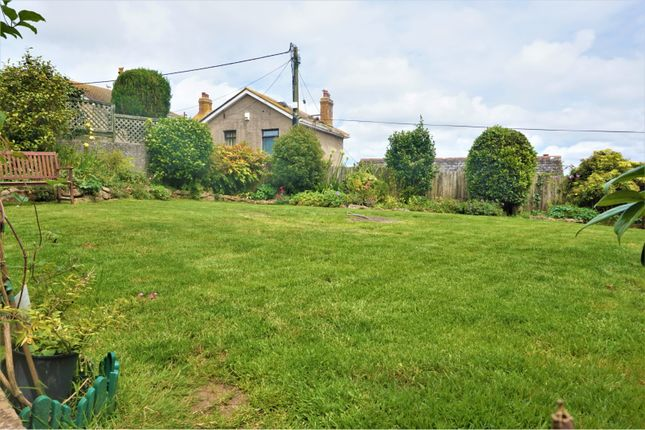 Garden of Treglyn Close, Penzance TR18