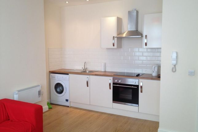 1 bed flat to rent in Newport Road, Cardiff