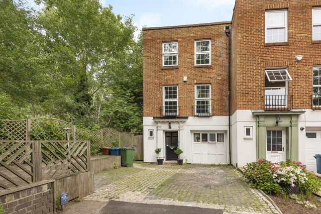 Thumbnail Town house to rent in Tudor Well Close, Stanmore