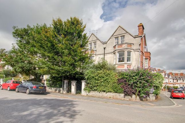 Thumbnail Flat to rent in Barnfield Road, St. Leonards, Exeter