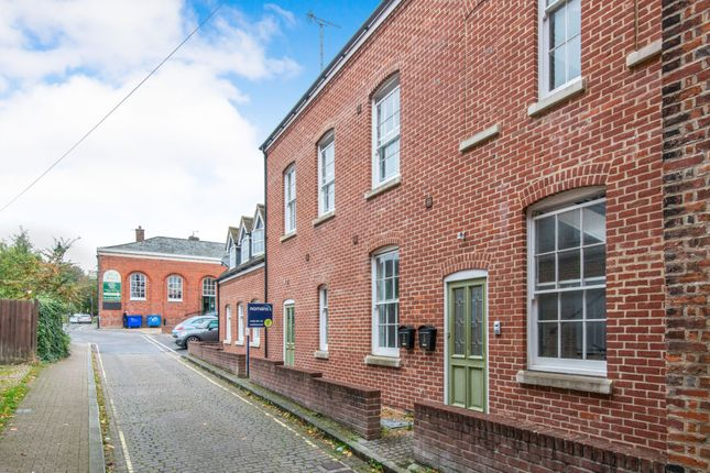 Thumbnail Flat to rent in Hyde Close, Winchester