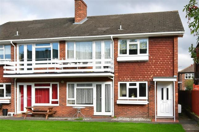 2 bed maisonette for sale in Thicket Road, Sutton, Surrey SM1