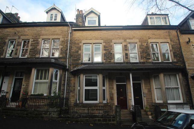 Thumbnail Terraced house to rent in Glebe Avenue, Harrogate