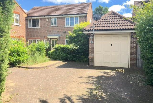 3 bed property to rent in Longcroft Green, Welwyn Garden City