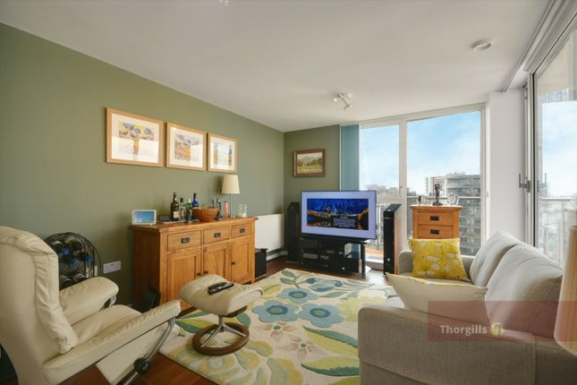 1 bed flat for sale in Laval House, Great West Quarter, Brentford TW8