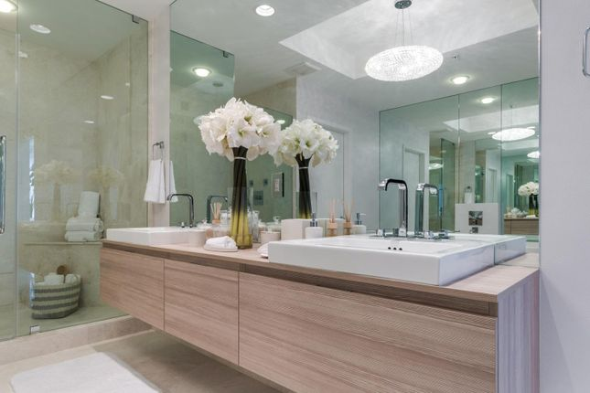 Thumbnail Apartment for sale in 17201 Biscayne Blvd, North Miami Beach, Fl 33160, North Miami Beach, Miami-Dade County, Florida, United States