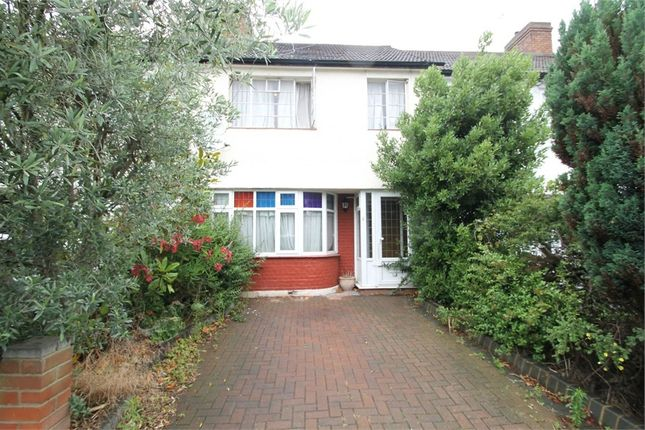 Thumbnail Terraced house to rent in New Park Avenue, London