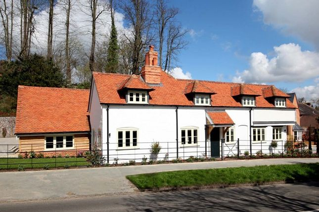 Thumbnail Detached house to rent in Henley Road, Marlow