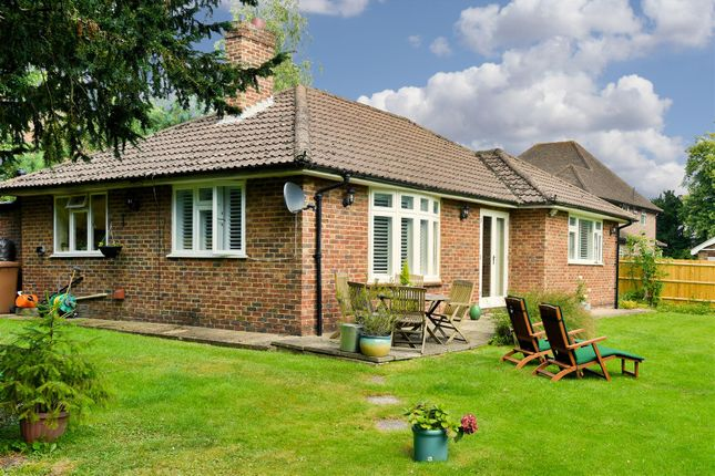 Thumbnail Bungalow for sale in London Road South, Merstham, Redhill