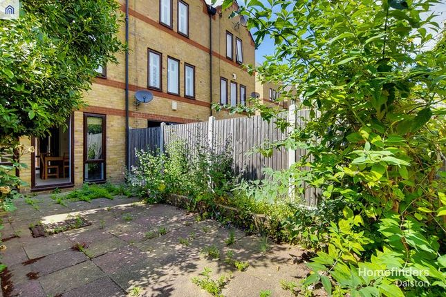 Photo 4 of Torrington Place, London E1W