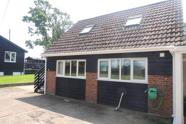 Thumbnail Bungalow to rent in Kings Lane, Weston, Beccles