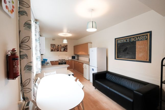 Thumbnail Flat to rent in Frenchwood Street, Preston, Lancashire