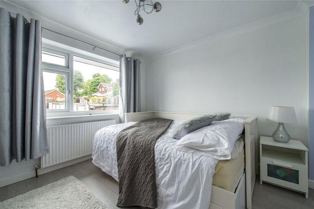 Picture No. 05 of Lyndhurst Way, Istead Rise, Gravesend DA13