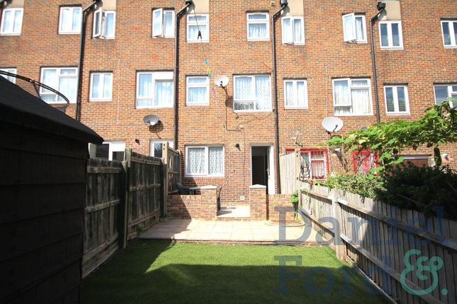 Thumbnail Property to rent in Nightingale Vale, London