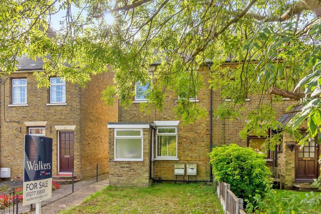 Thumbnail Maisonette for sale in Rayleigh Road, Hutton, Brentwood