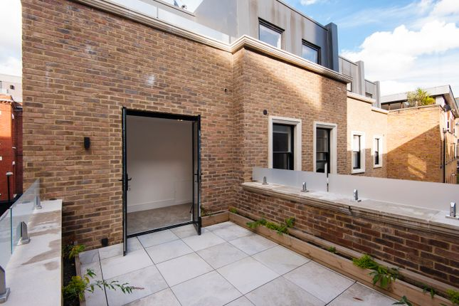 Thumbnail Town house for sale in Jerome Street, London