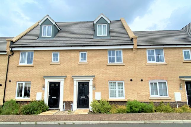3 bed terraced house to rent in Red Admiral Way, Attleborough, Norfolk NR17