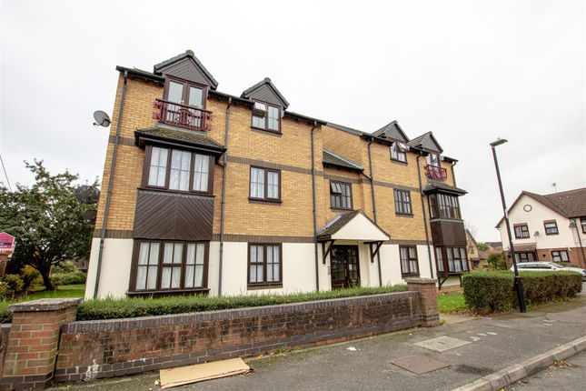 1 bed flat for sale in Gorse Meade, Cippenham, Slough SL1